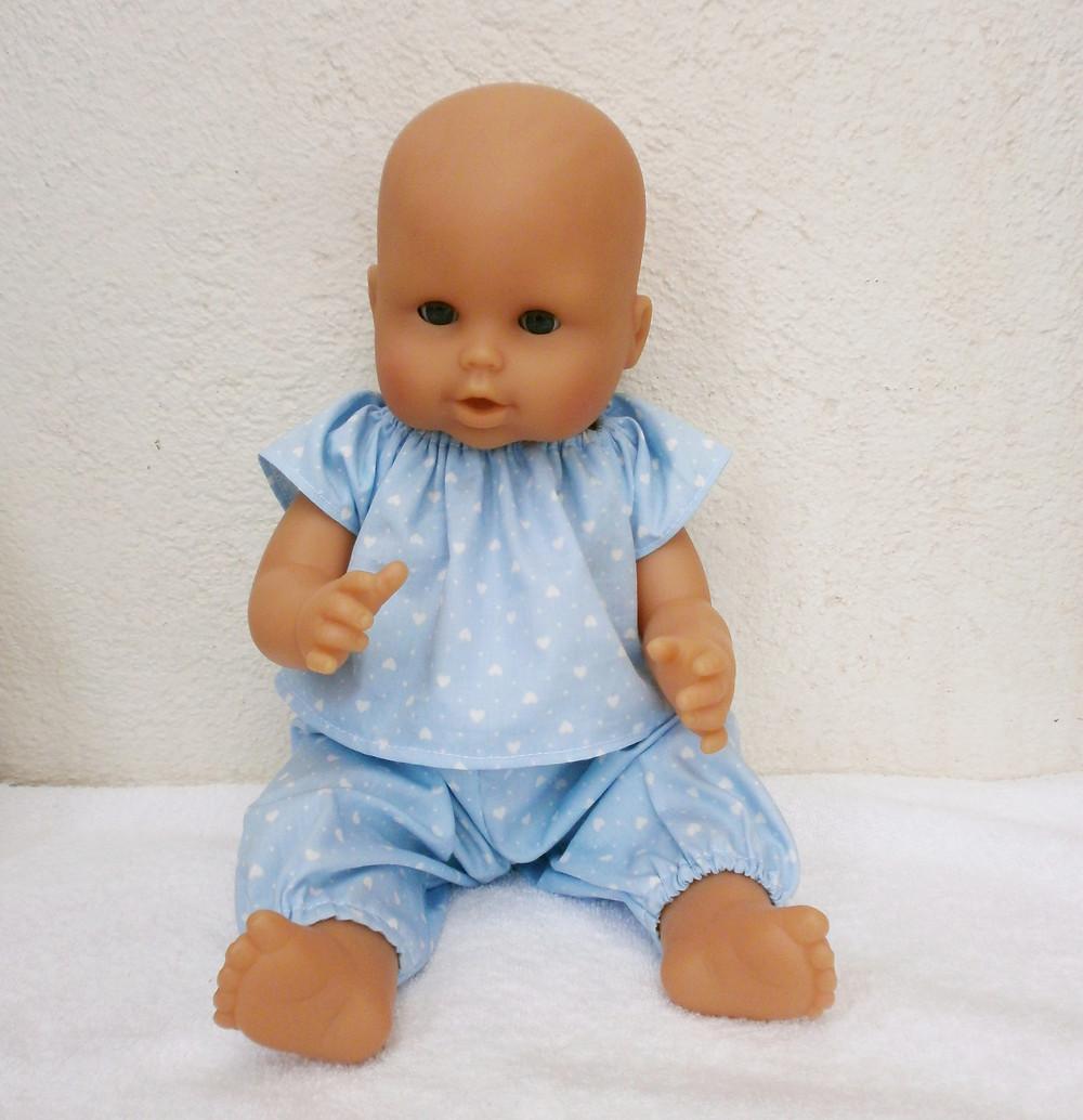 Pyjama bleu coeurs pour poupon 36 cm