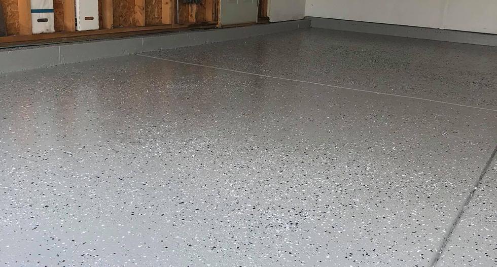 garage epoxy floor in naperville.jpg