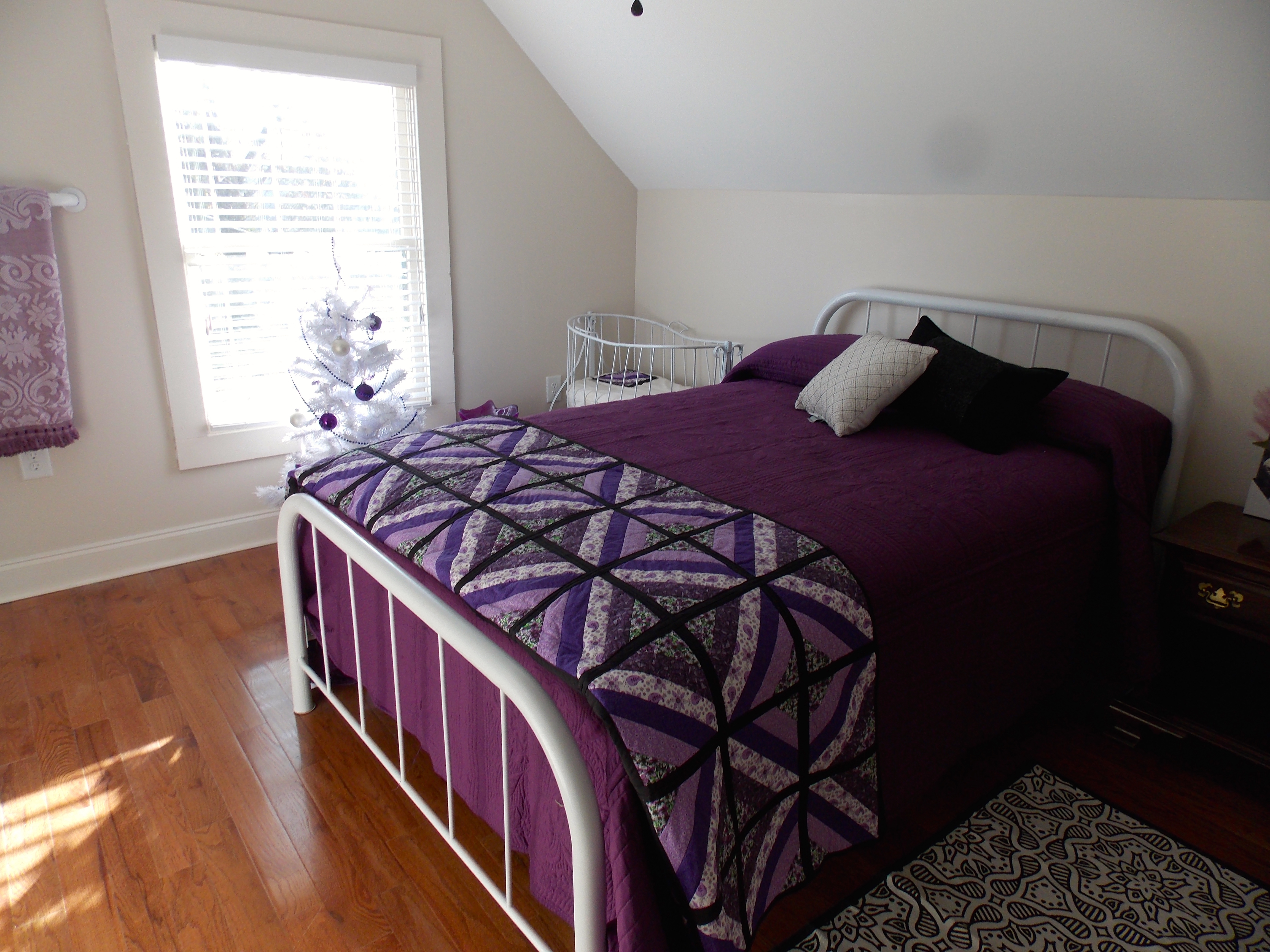 Twin bed with white frame