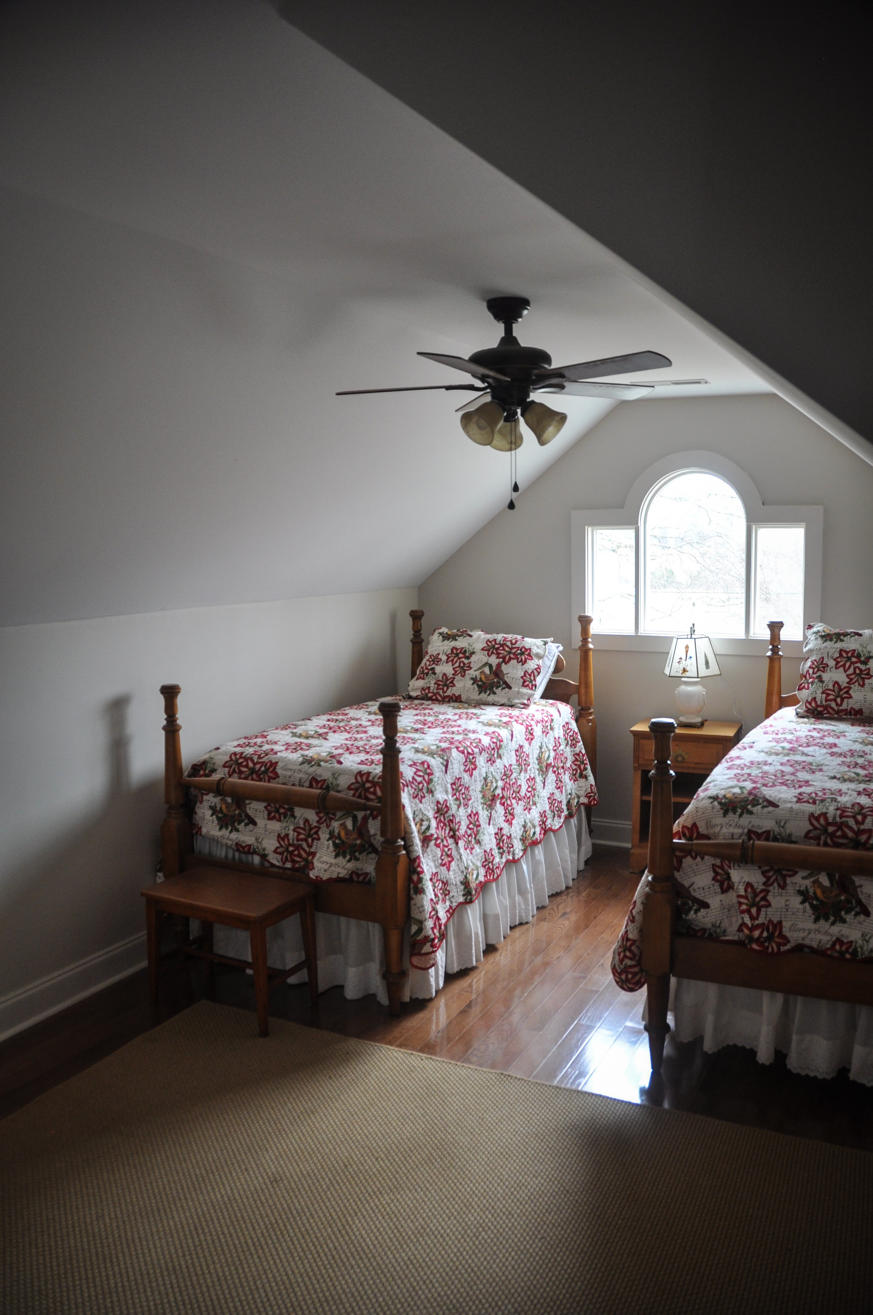 Twin beds with linens