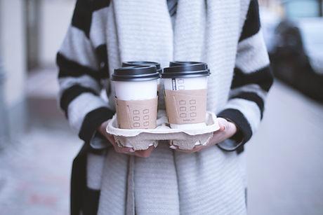 ガール・ホールディングは、持ち帰りコーヒーを