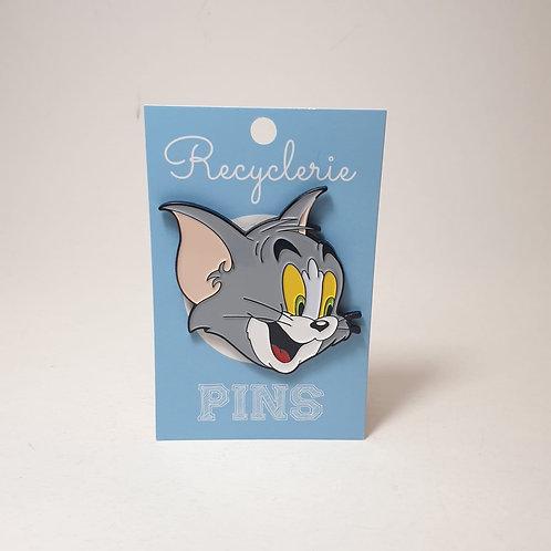 PINS TOM