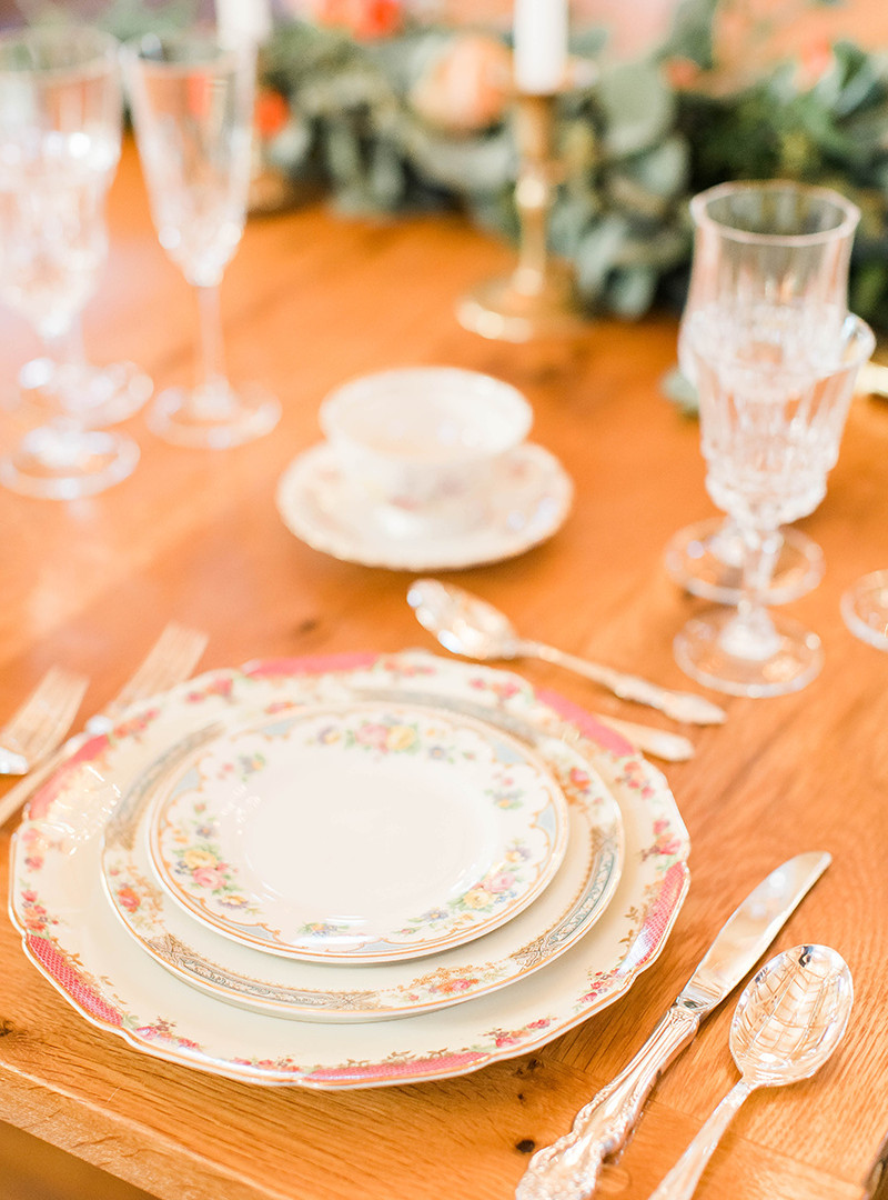 Vintage china place setting for a edding