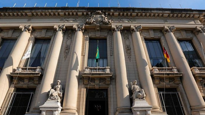 Governo anuncia concurso público para 3,4 mil vagas no RS