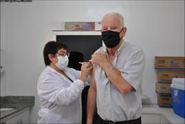 Novo lote de vacinas deve atender idosos a partir de 73 anos em Palmitinho