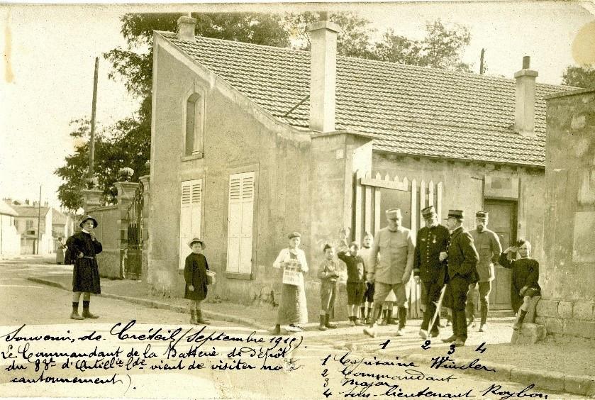 Le Chef d'escadron Redier, commandant le dépôt du 83e régime d'artillerie lourde à Créteil en 1915