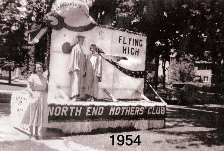 NEMC_1954_Parade_1.jpg