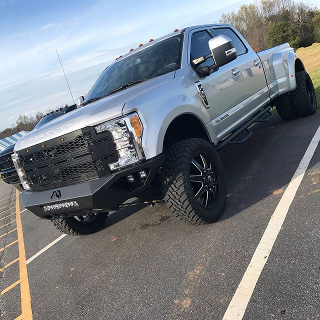 2017 Ford F-350 Dually _#FabFours Vengeance Bumpers _#Rigid Radiance LED Light Bar_#RoughCountry LED