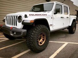 "2020 Jeep Gladiator JT with 17"" Method R"