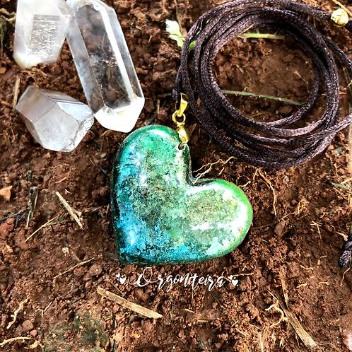 Pingente Orgonite Coração Esmeralda