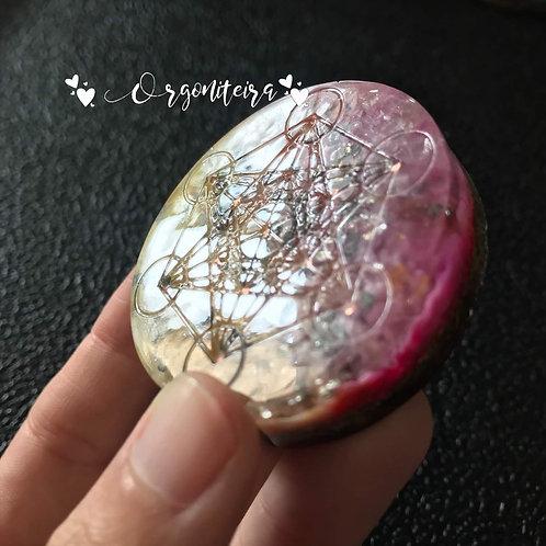 Medalhão ou amuleto orgonite Cubo de Metatron Citrino com Pirita