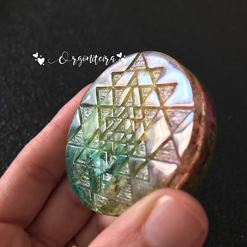 Orgonite Medalhão ou amuleto Shri Yantra Citrino