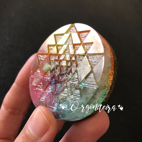 Orgonite Medalhão ou amuleto Shri Yantra Turquesa