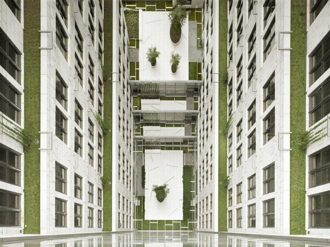 200 Fifth Avenue_Exterior (Courtyard-Bir