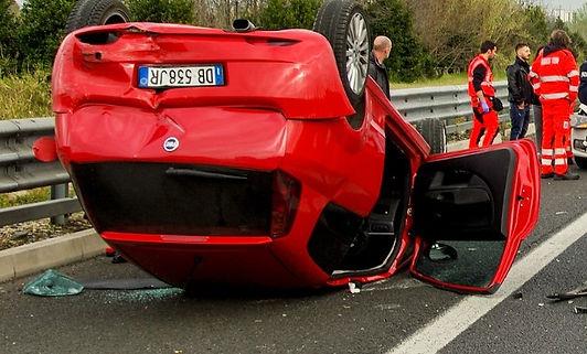 car-accident-2165210_1920_edited.jpg