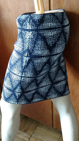 BCBG 90s knit fitted mini skirt with blue and white graphics