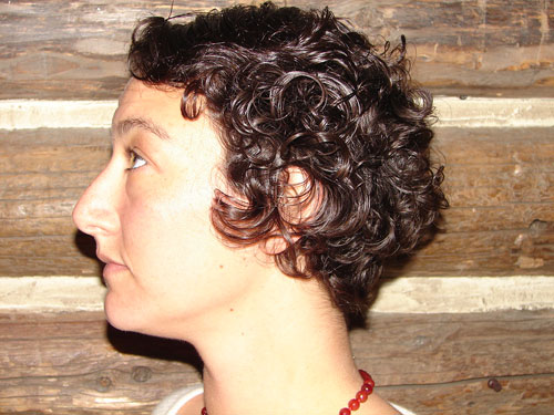 Women's short curly hair wedged haircut