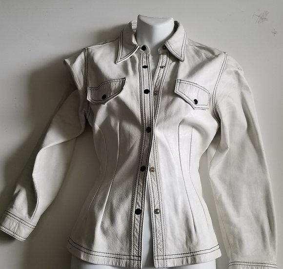 *Snap up 2 pocket white leather shirt jacket