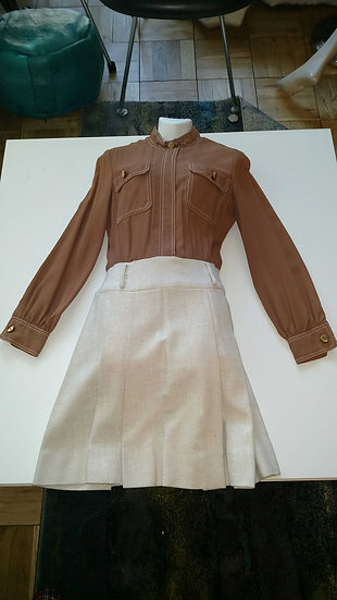*Two tone color blocked double pocket 1970's dress