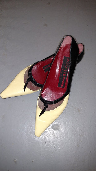 Jacques LeCorre pointed kitten heels