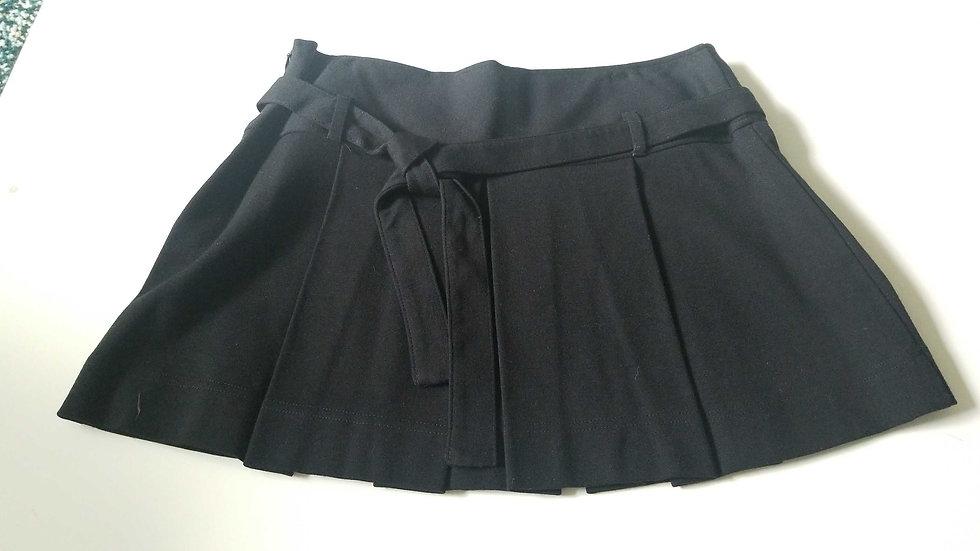 Benetton black Mini skirt with large pleats strechable wool rayon blend