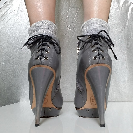 Joan+David 90s grey ankle platform boots