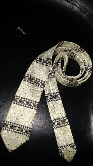 1950's skinny tie offwhite-w horizontal graphics