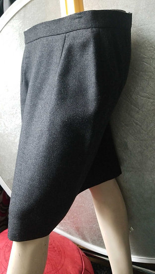 Burberry Grey wool fitted above the knee skirt