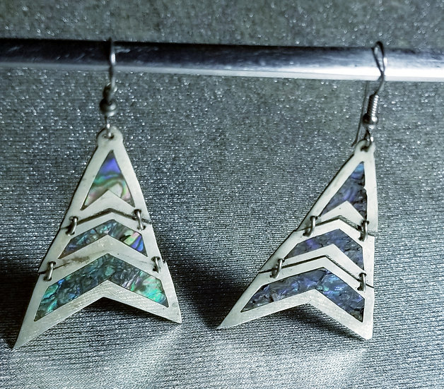 Vintage 80's New Mexico 3 tiered triangular shaped dropped Silver Earrings with