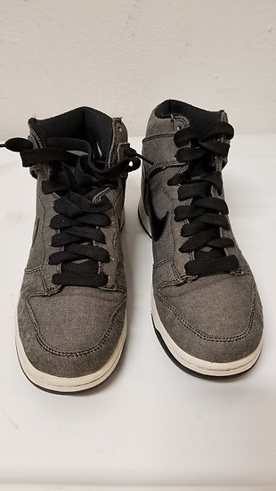 Nike women's grey denim size 7