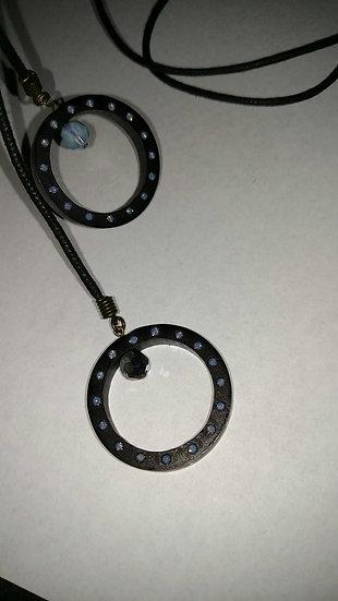 Estterra blk bamboo & silk Lariat necklace