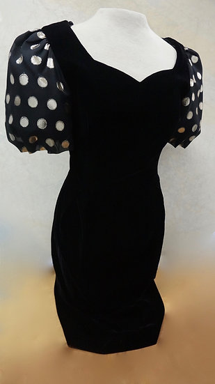 Vintage velvet 80s black dress with polka fotted pouffed sleeves