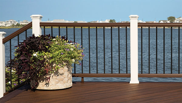 trex-decking-transcend-tropicals-spiced-