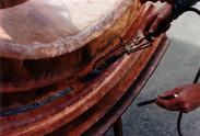 Fabrication d'une lucarne en cuivre, rivetée et soudée à l'étain.