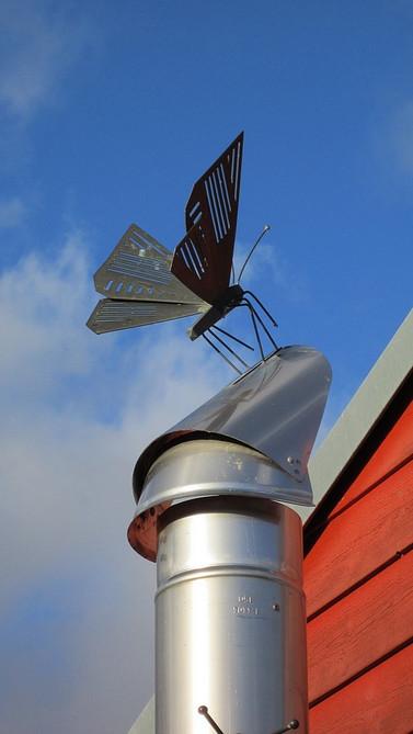 Papillon en cuivre. 50 cm.