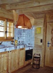 Hotte de cuisine en cuivre rivetée