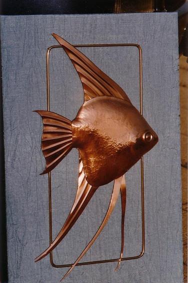 Scalaire en cuivre et laiton. 30 cm.