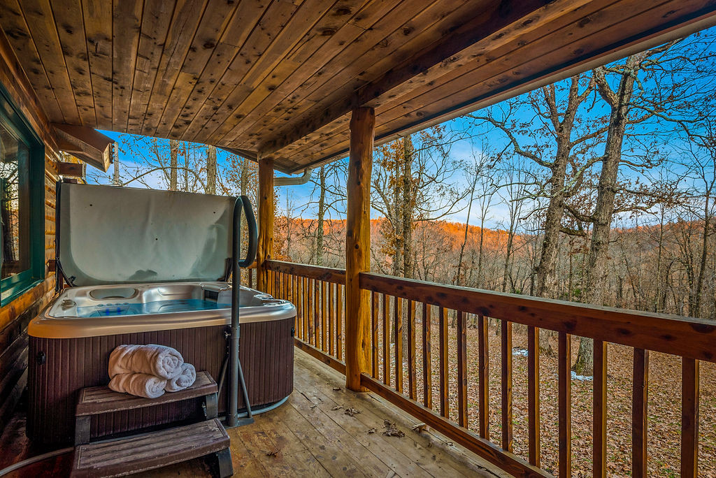 Fly Away Cabin Hot Tub