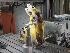 Восстановление отверстий в поворотной каретке экскаватора-погрузчика