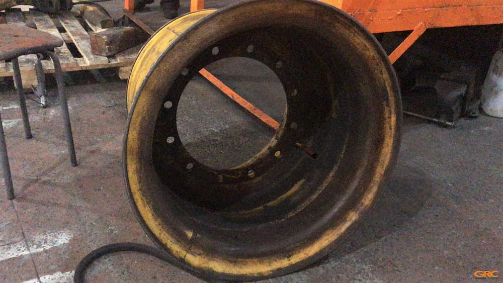 Колёсный диск бульдозера (до ремонта)