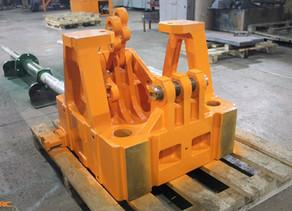 Ремонт коленно-рычажного механизма плиты термопластавтомата