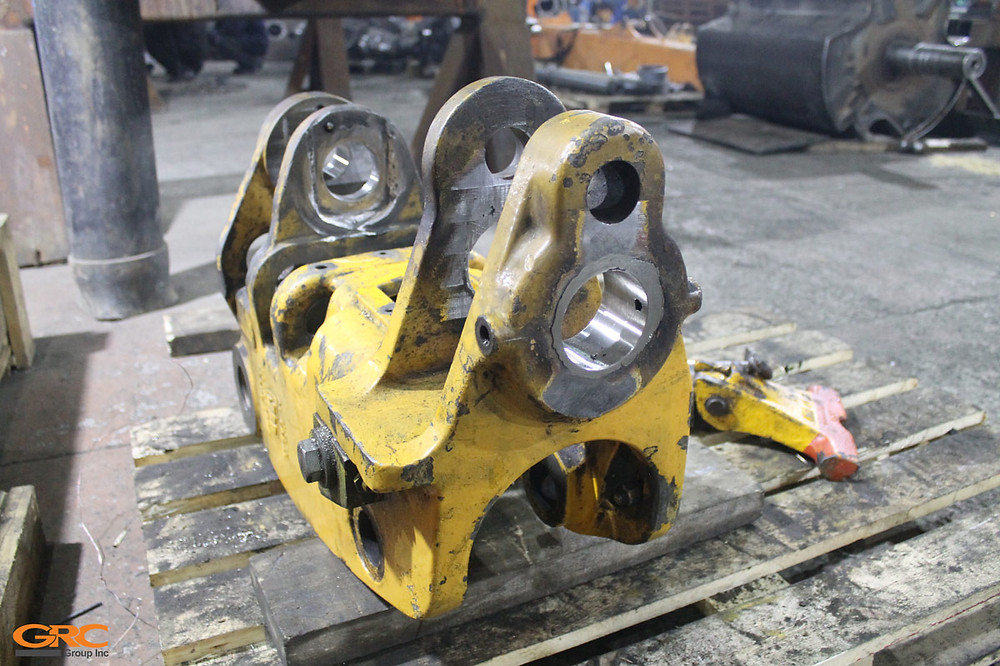 Поворотная каретка экскаватора-погрузчика JCB после ремонта