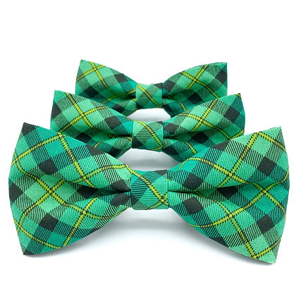 Green and Black Plaid Dog Bow Tie