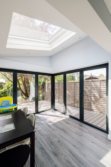 House extension with corner doors