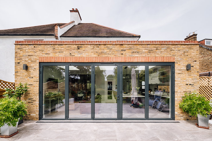 London extension with reclaimed bricks