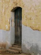Cuba-faded-yellow-and-white-wall _Jennif