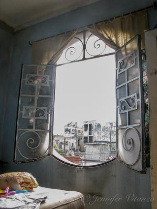 Cuba-window-lucys-house _JenniferVitanzo