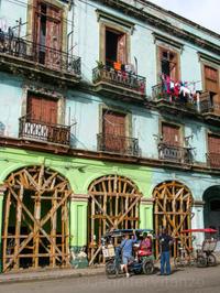 Cuba blue and green building JVitanzo.jpg