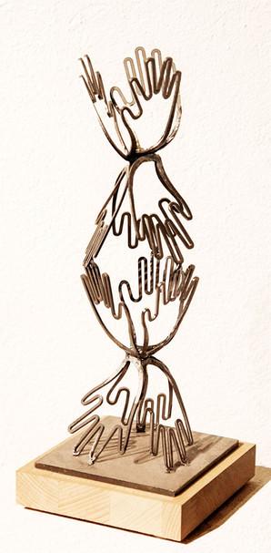 04_Blühende Hand, 2012, Eisen, geschnitt