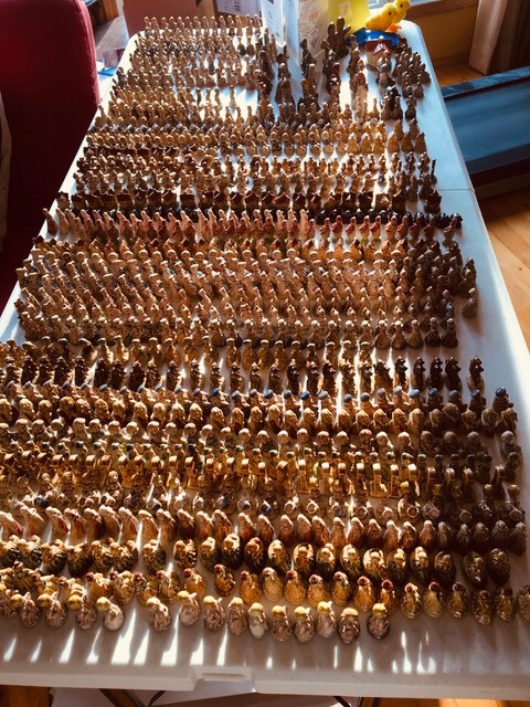 Hundreds of vintage porcelain red rose tea figurines